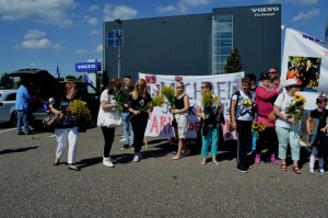 Heal the world spandoek bij beeld